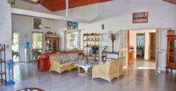 4 bedroom house with large tropical garden close to Cabarete