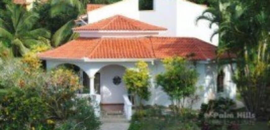 4 Bd villa just 1 min walk from beach