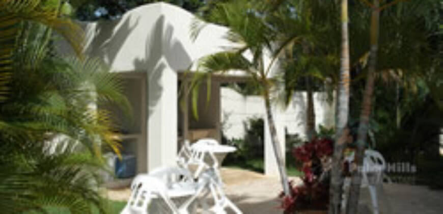 Caribbean Villa mit 4 Appartments – im Pueblo Stil
