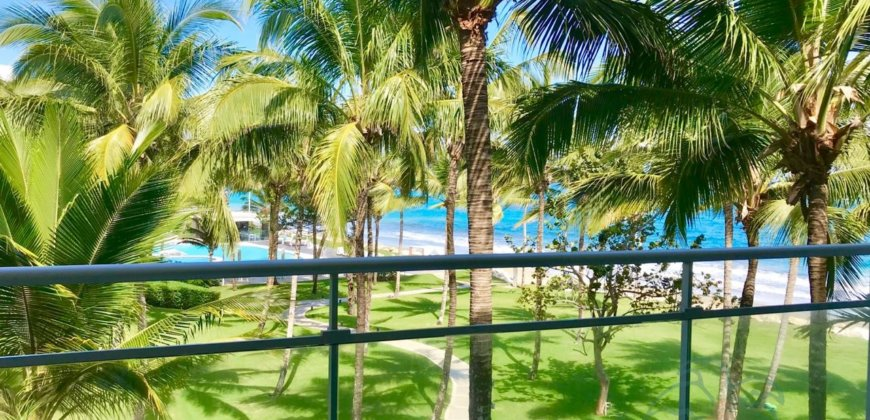 One bedroom condo in front of the beach
