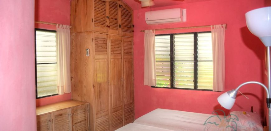 3 bedroom villa steps from the beach in the center of Cabarete