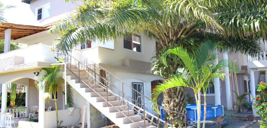 Big house with 6 apartments in Cabarete