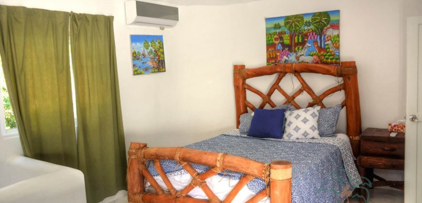 2 bedroom villa with guest house close to the beach