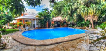2 bedroom villa with guest house close to the beach(dominican republic real estate)
