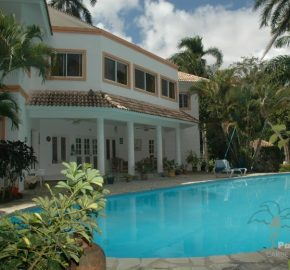 Villa with a fantastic sea view and guest house